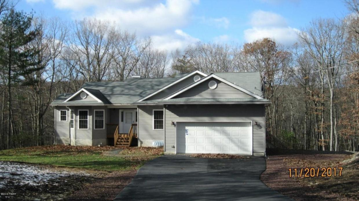161 Apple Dr, Milford, PA 18337