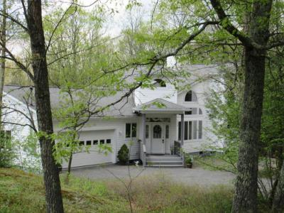 Photo of 142 Eisenhower Dr, Lords Valley, PA 18428