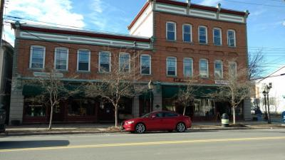 Photo of 316-322 Broad St, Milford, PA 18337