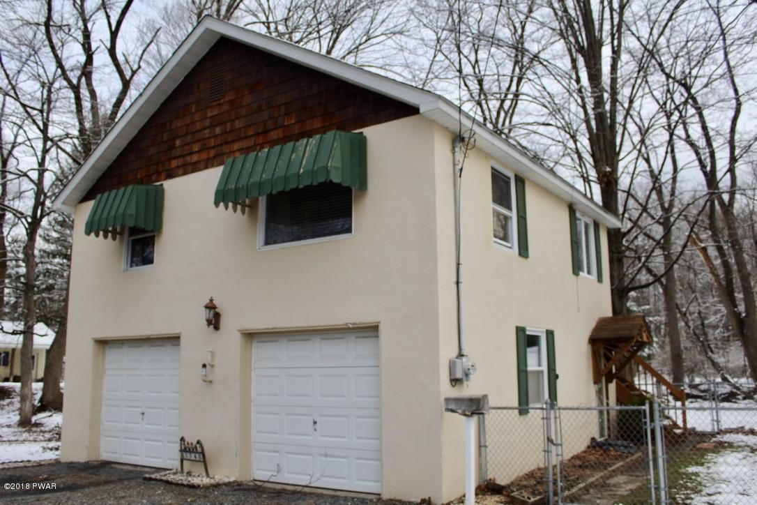 174 Elizabeth St, East Stroudsburg, PA 18301