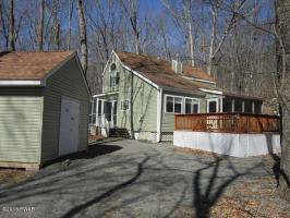 201 Falling Waters Blvd, Lackawaxen, PA 18435