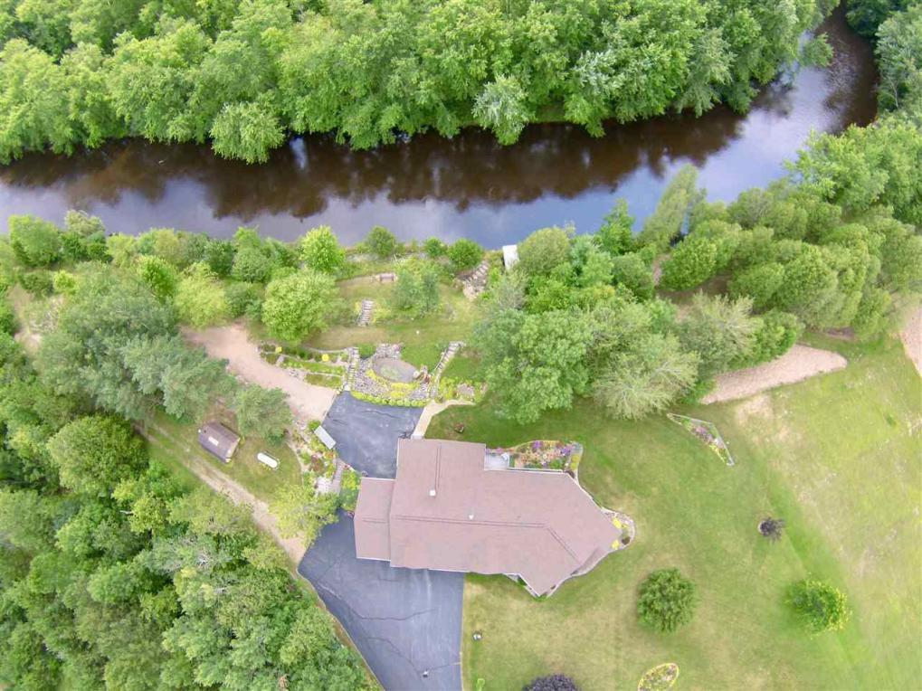 W2442 River Bend, Cecil, WI 54111