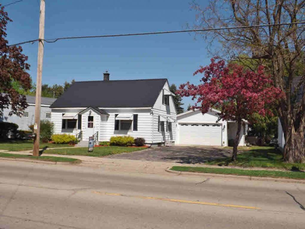 157 W Main St, Gillett, WI 54124
