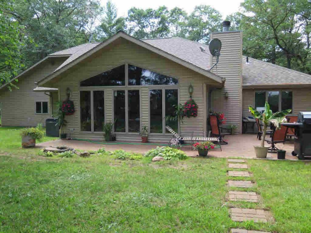 N4090 Forest Dr, Hancock, WI 54943