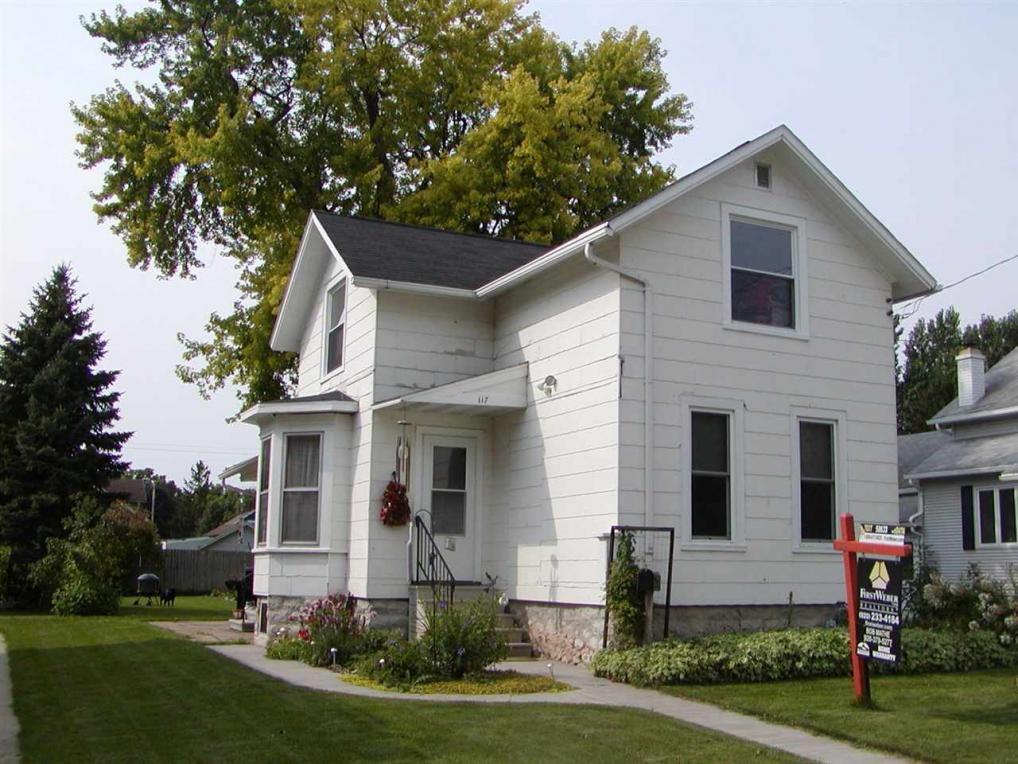 117 W 14th, Oshkosh, WI 54902