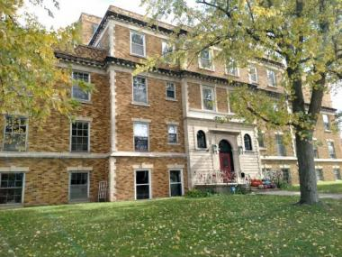 610 S Pearl St, New London City Of, WI 54961
