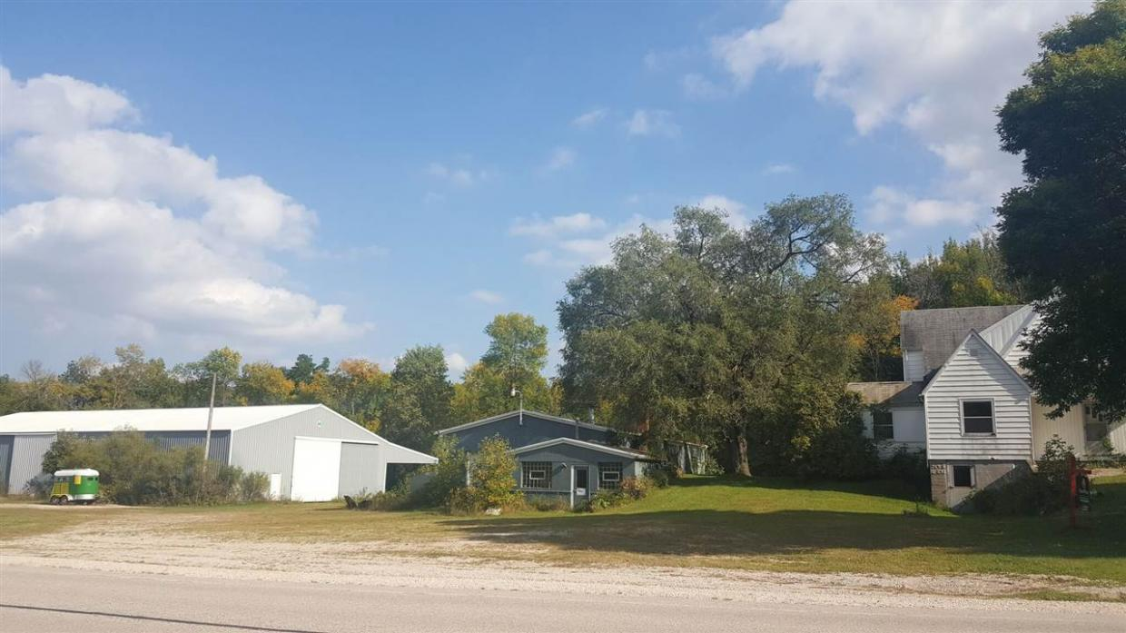 W2282 Hwy Wh, Mount Calvary, WI 53057