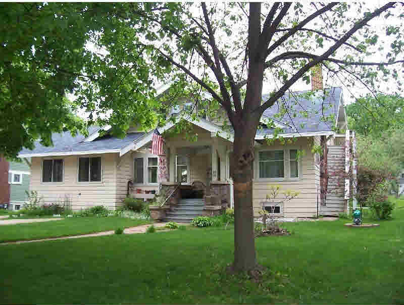 95 N Main St, Clintonville, WI 54929