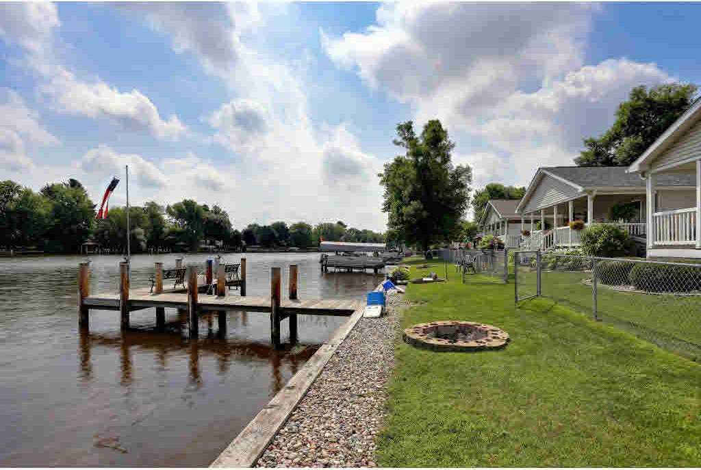 124 Wolf River, Fremont, WI 54940