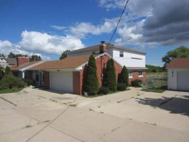 2874 S Sunnyslope Rd, New Berlin City Of, WI 53151