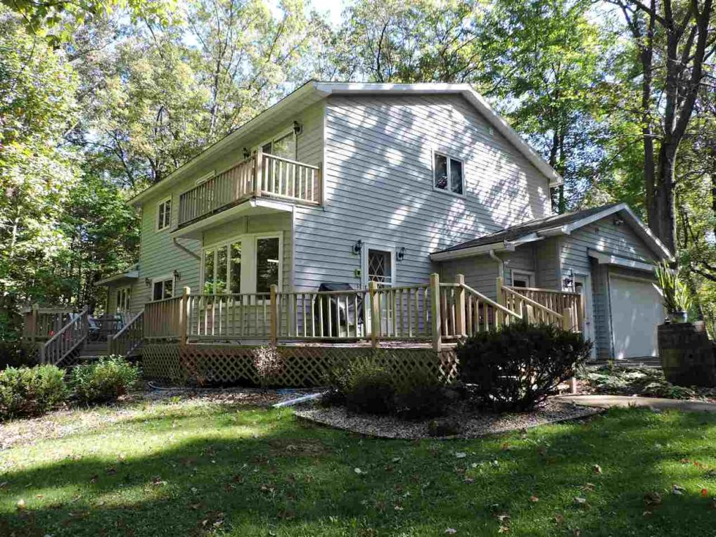 N2537 Pleasant View Ln, Waupaca, WI 54981