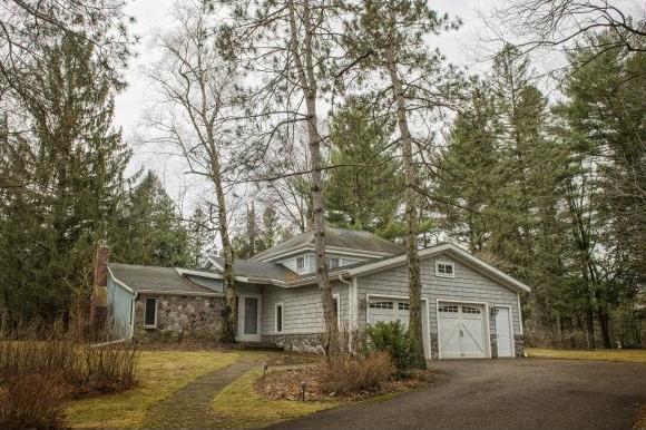 E1233 Pine Tree Point, Waupaca, WI 54981