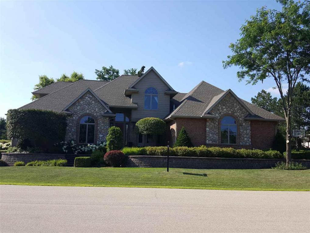 433 S Pine Grove, Hortonville, WI 54944
