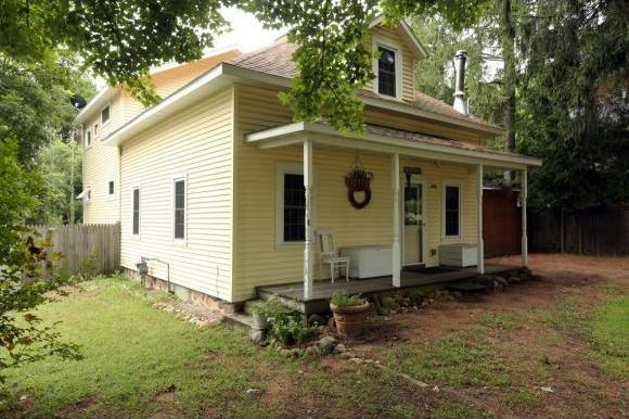335 Lincoln St, Amherst, WI 54406
