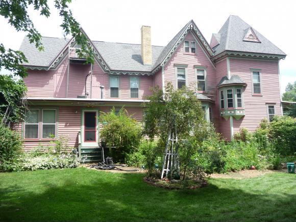 303 S Main St, Amherst, WI 54406