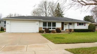 327 Crescent Dr, Neenah City Of, WI 54956
