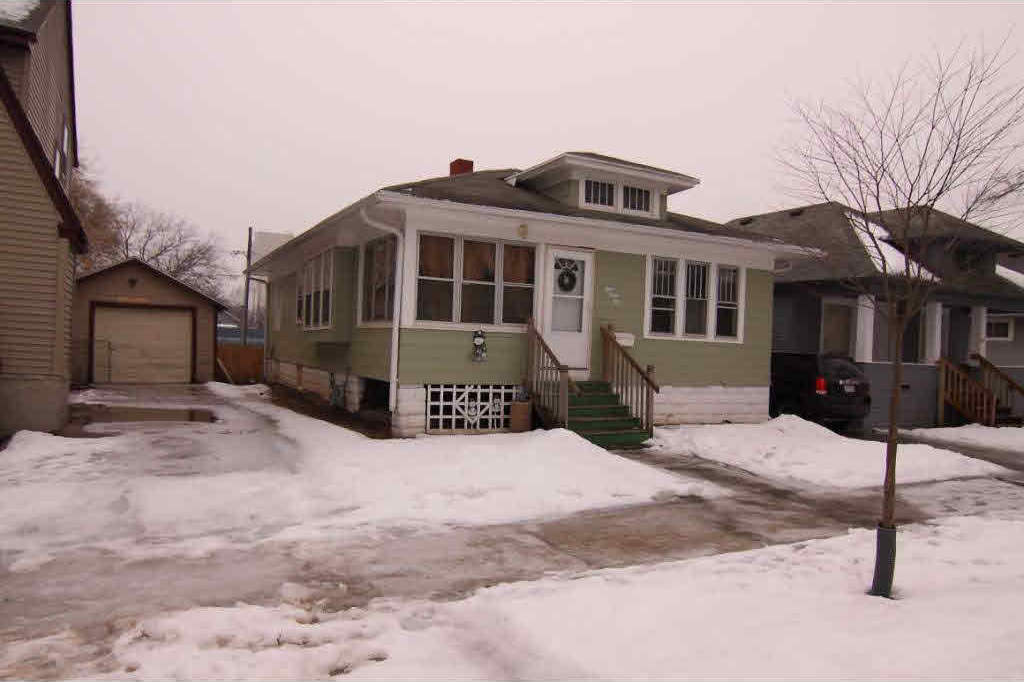 845 Howard, Green Bay, WI 54303
