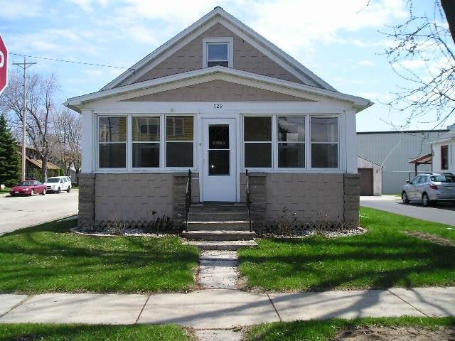 529 Milwaukee, Menasha, WI 54952