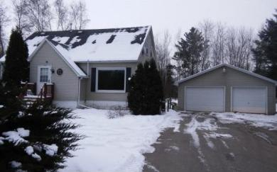 1619 Woodsdale, Suamico, WI 54173