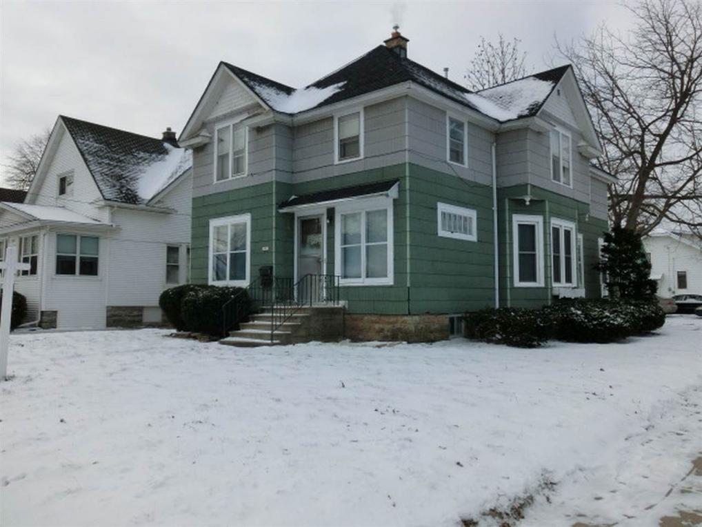 1803 Oregon, Oshkosh, WI 54902