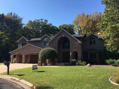 Photo of 1813 Woodhaven Ct, Luxemburg, WI 54217
