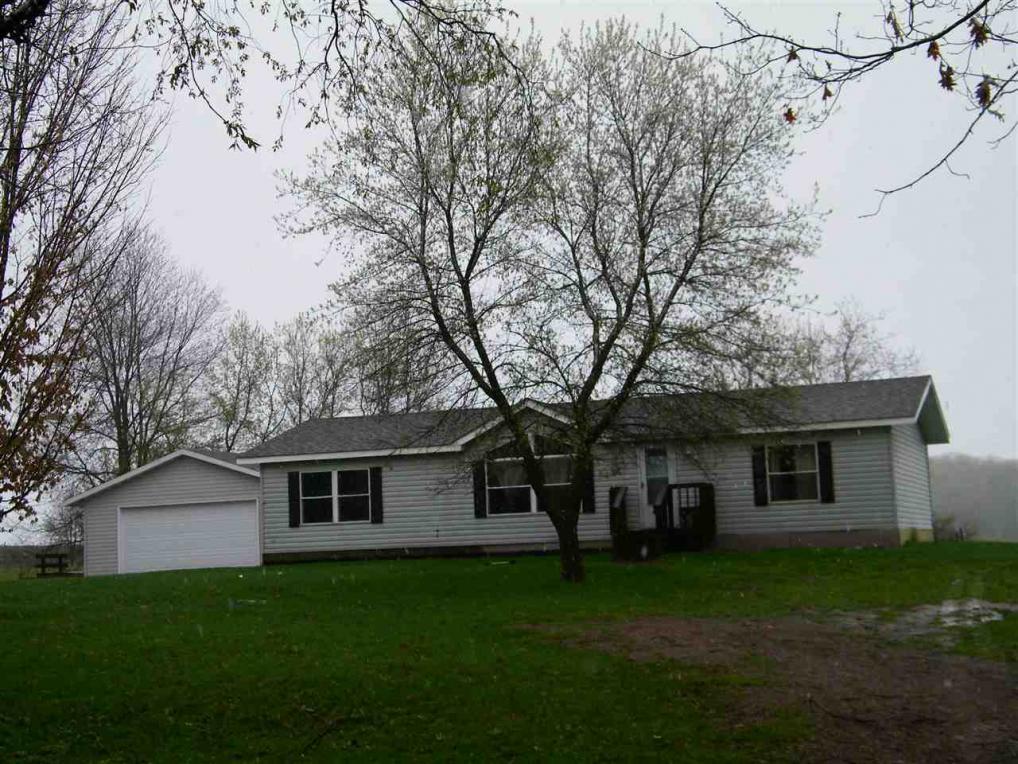 N7988 Huntington Rd, Gresham, WI 54128
