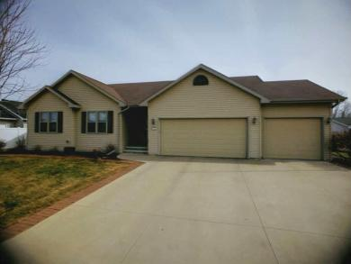 2604 Maple Grove Dr, Neenah City Of, WI 54956