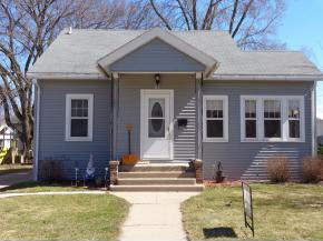 120 N Clinton Ave, Clintonville, WI 54929