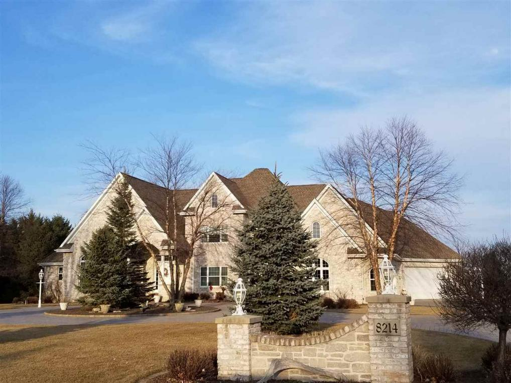 8214 Golf Course, Neenah, WI 54956