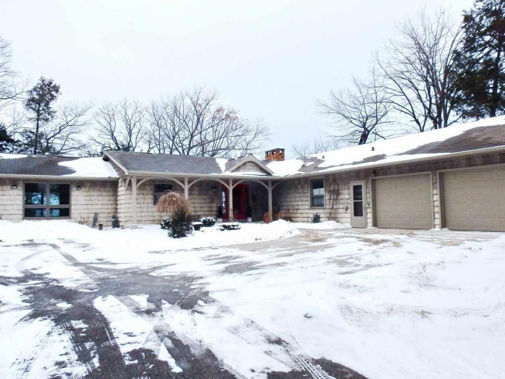 4641 Esther, Green Bay, WI 54311