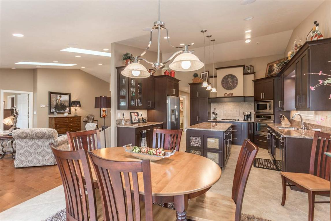 1585 River Pines, Green Bay, WI 54311