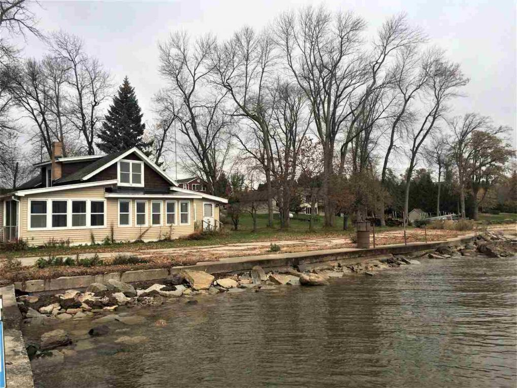 3426 Hwy S, Little Suamico, WI 54141