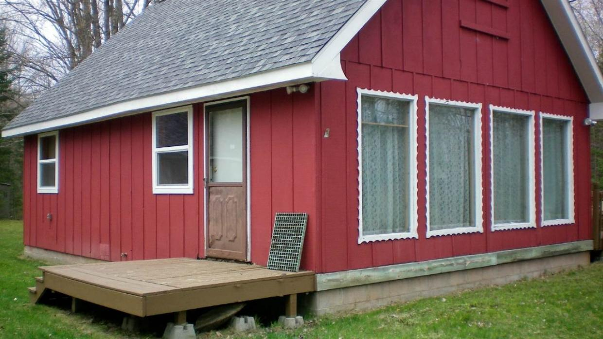 15710 Upper Island, Mountain, WI 54149