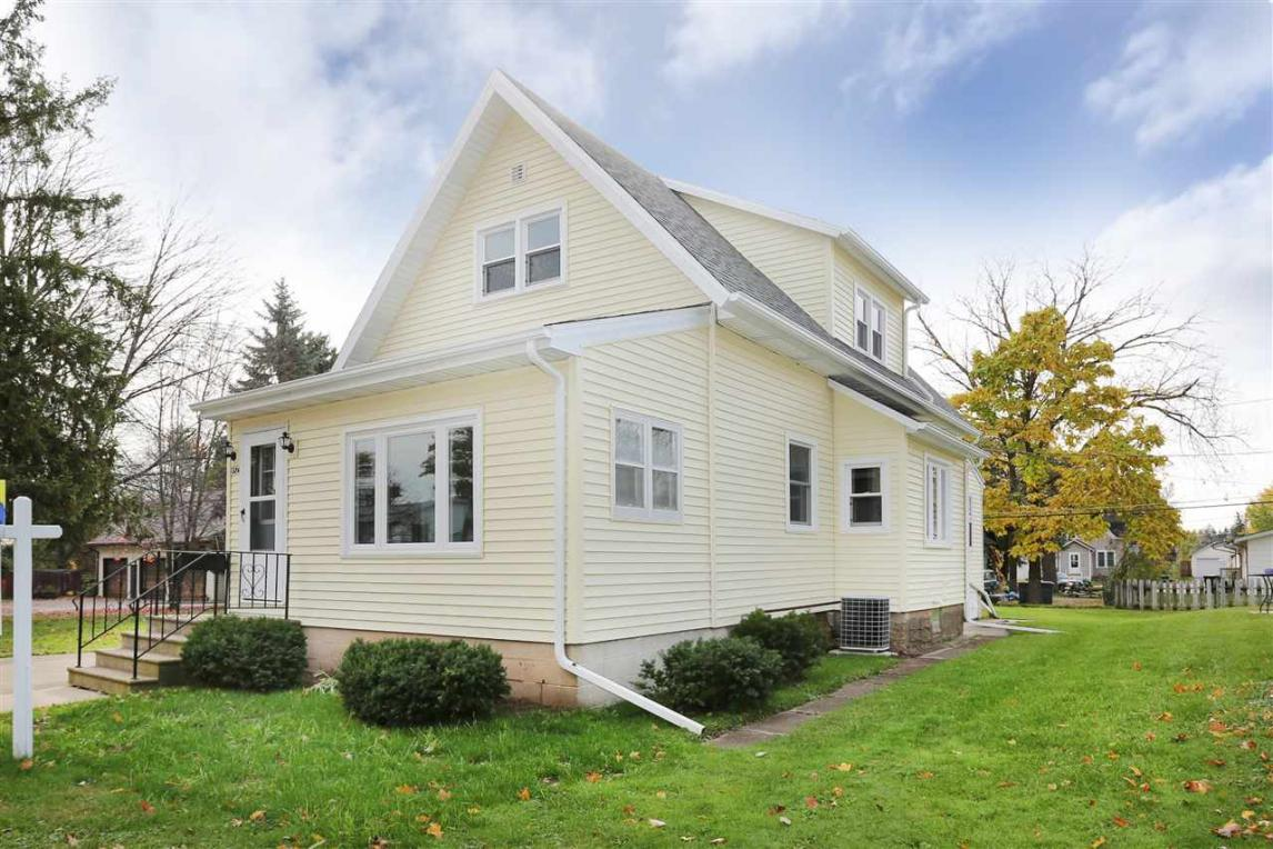524 S Wallace, New London, WI 54961