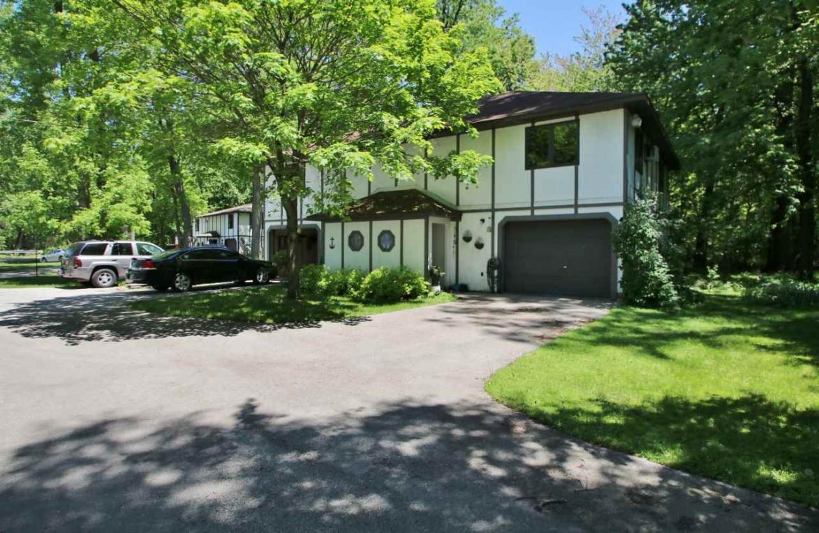 1294 S Bay Shore, Brussels, WI 54204