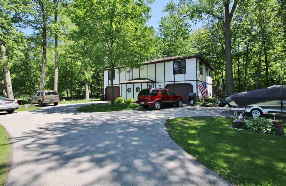 1298 S Bay Shore, Brussels, WI 54204