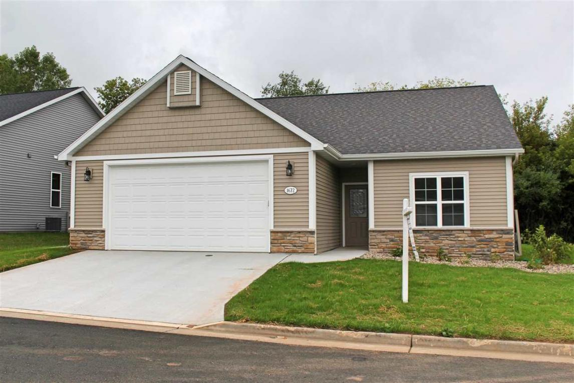 1672 Copperstone, Neenah, WI 54956