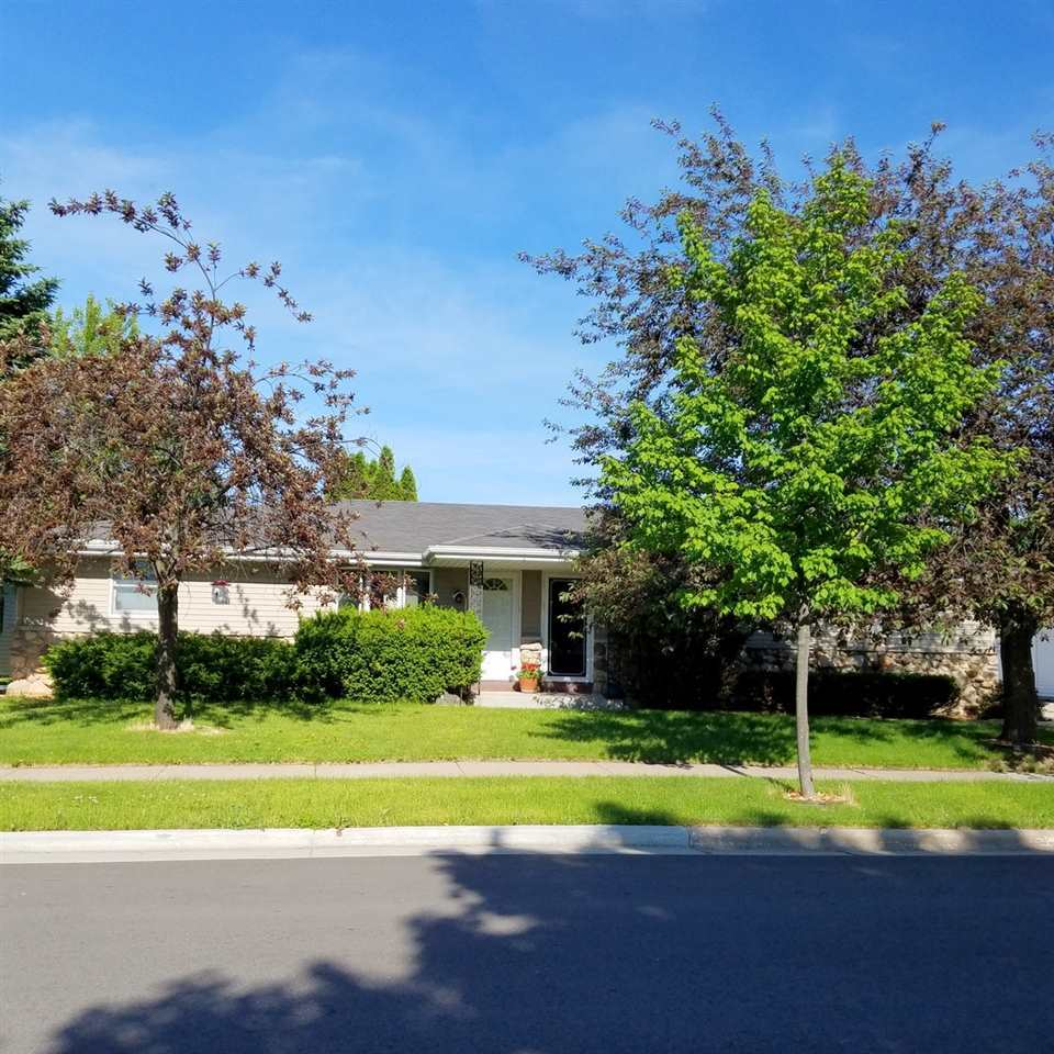 New Listing! 1026-1028 Taylor St, Little Chute
