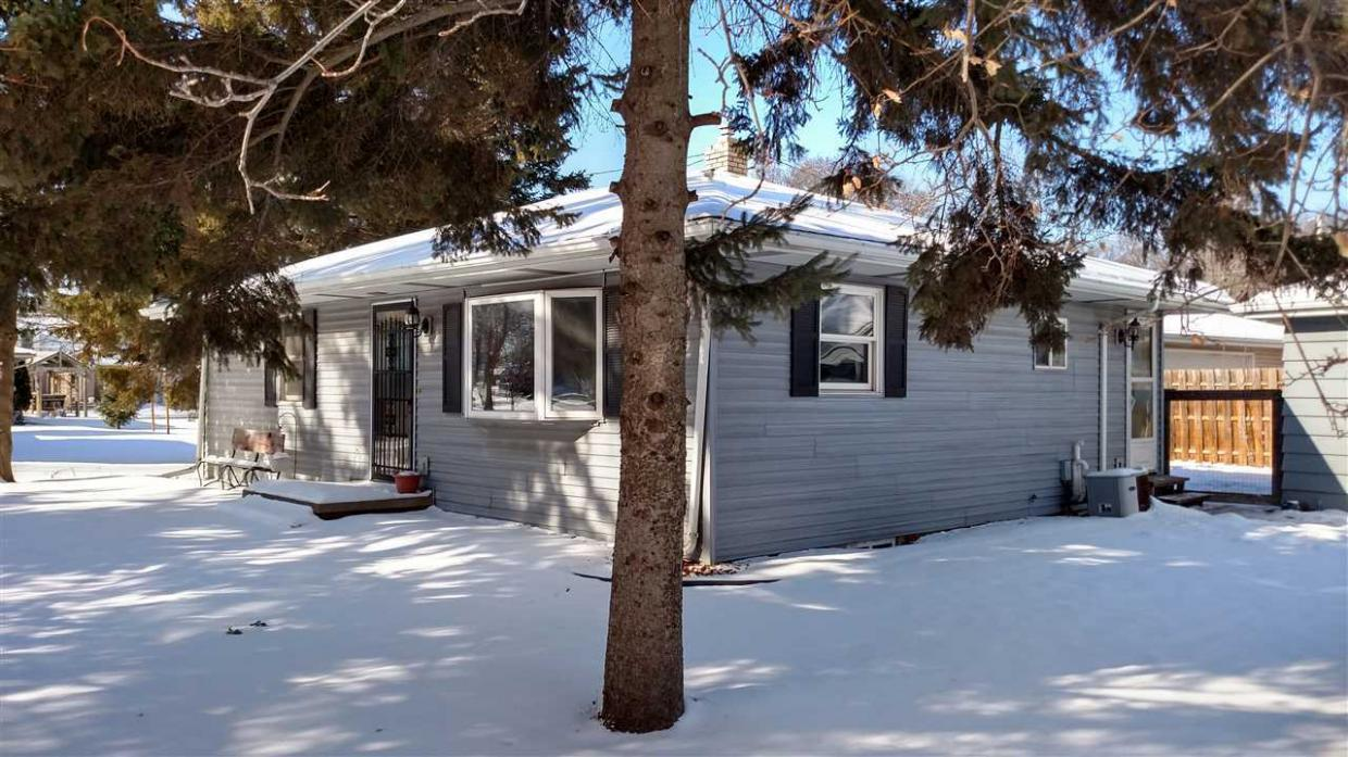 2420 S Memorial, Appleton, WI 54915