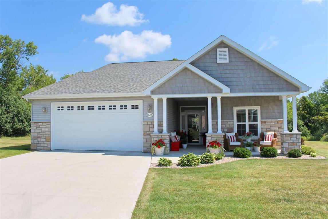 1622 Copperstone, Neenah, WI 54956