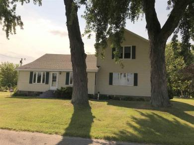 8258 Wolf River, Fremont, WI 54940