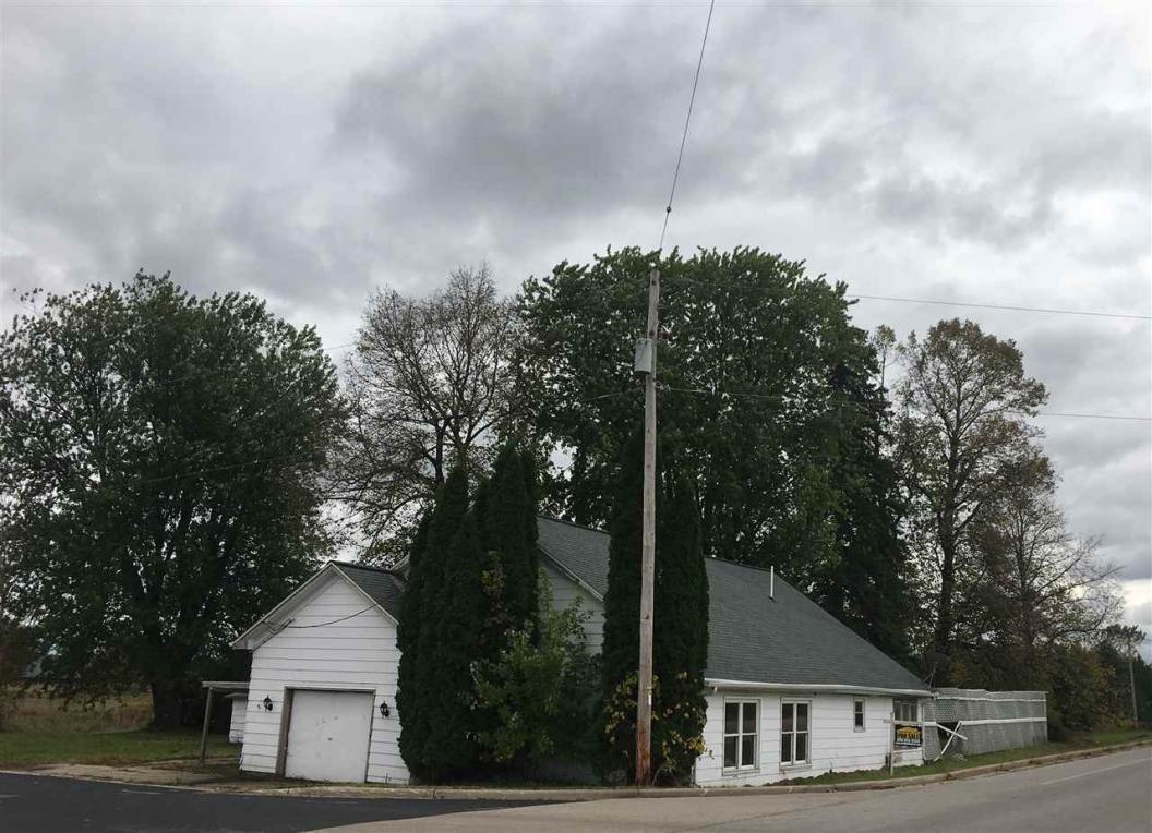 W9699 Cloverleaf, Hortonville, WI 54944