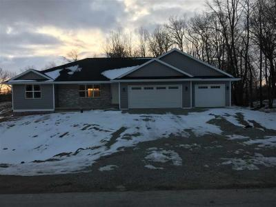 Photo of 990 Tanglewood, Little Suamico, WI 54141