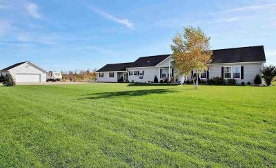Photo of 5593 Lade Beach, Little Suamico, WI 54141