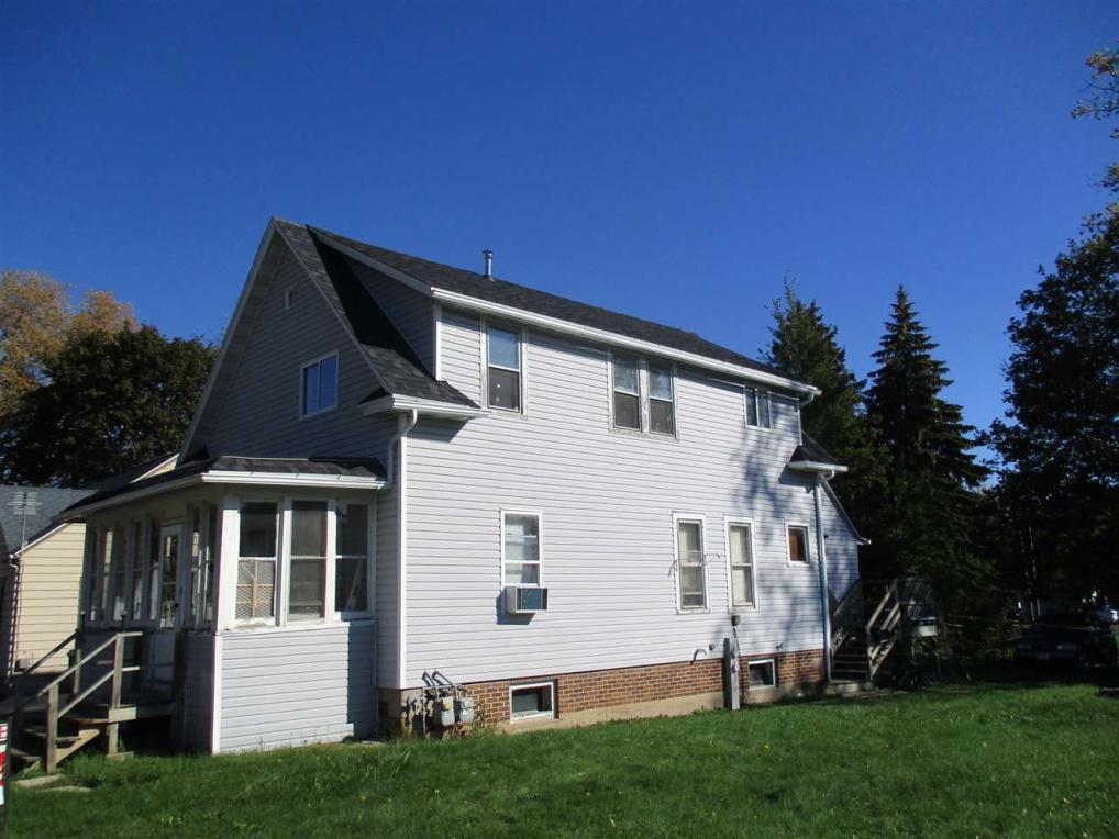 2014 Van Buren, New Holstein, WI 53061