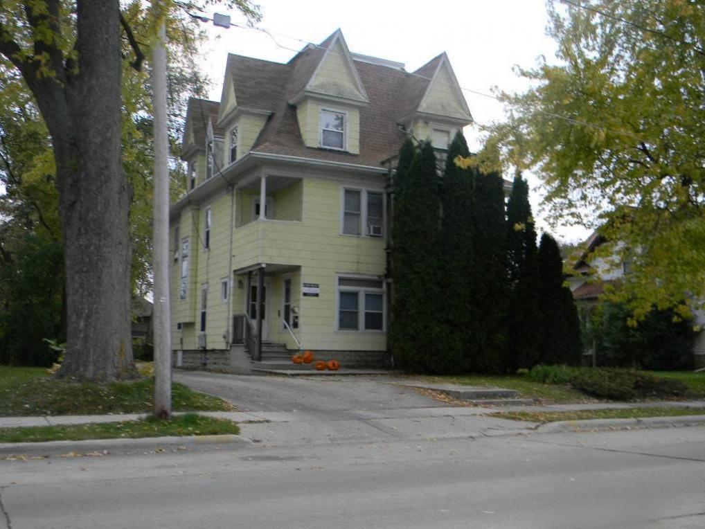 1137 Wisconsin, Oshkosh, WI 54901