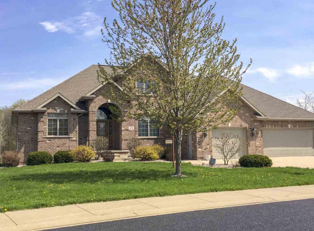 Mls 50175323 575 Royal St Pats Wrightstown Wi 54180