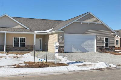 Photo of 1786 Cottagewood, Neenah, WI 54956