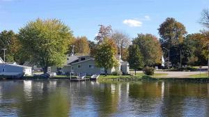 211 W Lake, Cecil, WI 54111