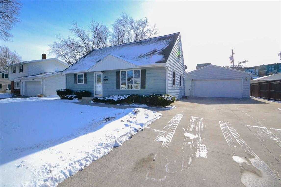 1215 Thorndale, Green Bay, WI 54304